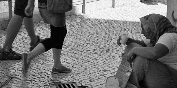 mendiga pidiendo en Lisboa